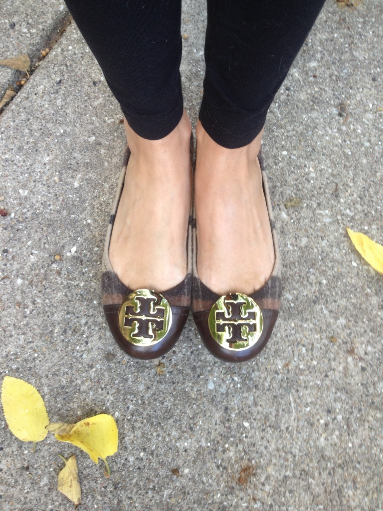 Still obsessed with these Tory Burch Serena flats. Love pulling them out every year.