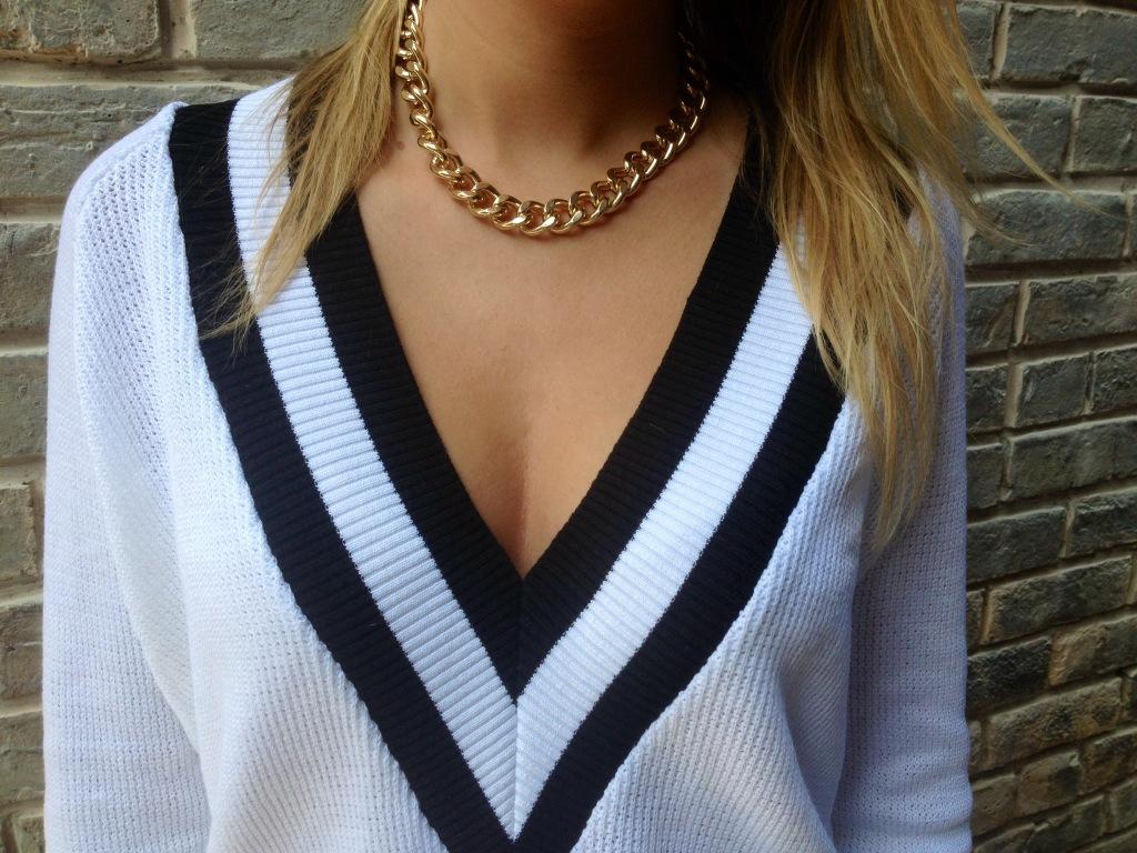 Necklace: H&M.